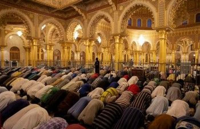 """الأسبوع في 13 صورة.. المسلمون يحتفلون بـ""""رمضان"""".. والحصان الطائر يمتطي السماء"""