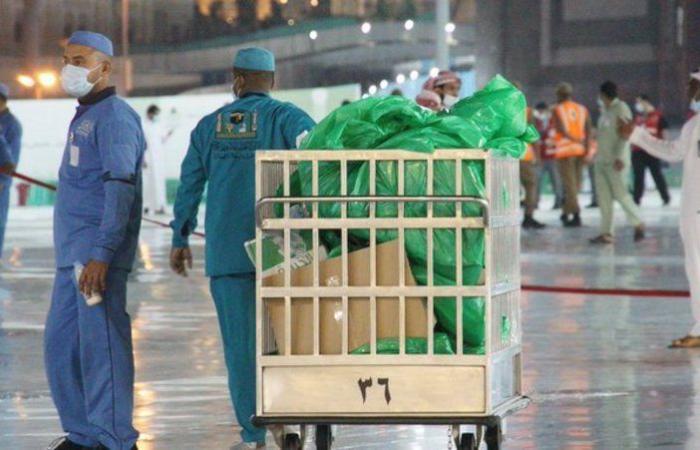 رفع أكثر من ألف طن نفايات من المسجد الحرام