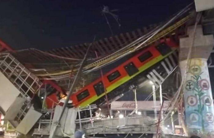 فيديو.. سقوط قطار لحظة عبوره جسرًا معلقًا ومصرع 23 شخصًا