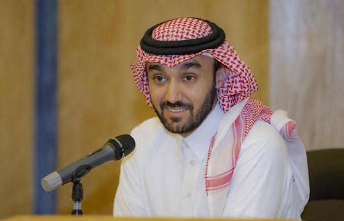 وزير الرياضة يجتمع برؤساء أندية دوري المحترفين والدرجة الأولى