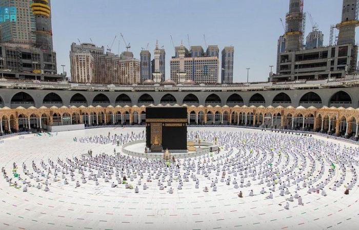 وسط منظومة متكاملة.. أداء آخر صلاة جمعة بالمسجد الحرام في رمضان