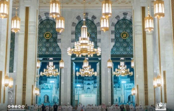 """""""الجهني"""" و""""السديس"""" في الإمامة.. روحانيات الحرم في تهجد ليلة 27 رمضان"""