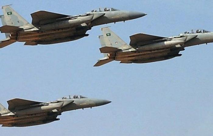 """""""طيران التحالف"""" يدمِّر عربتَيْن وأطقمًا عسكرية ومصرع أطقمها كافة"""