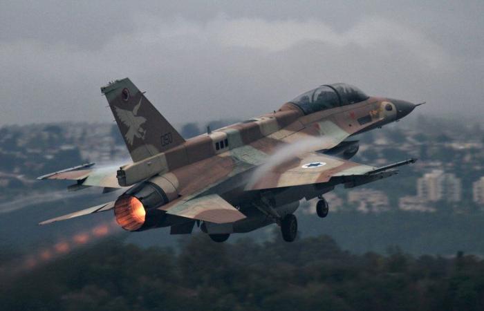 طيران الاحتلال الإسرائيلي يشن غارات عنيفة على قطاع غزة