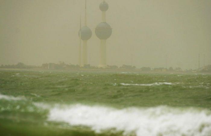 الكويت.. توقف الملاحة البحرية مؤقتاً بسبب التقلبات الجوية