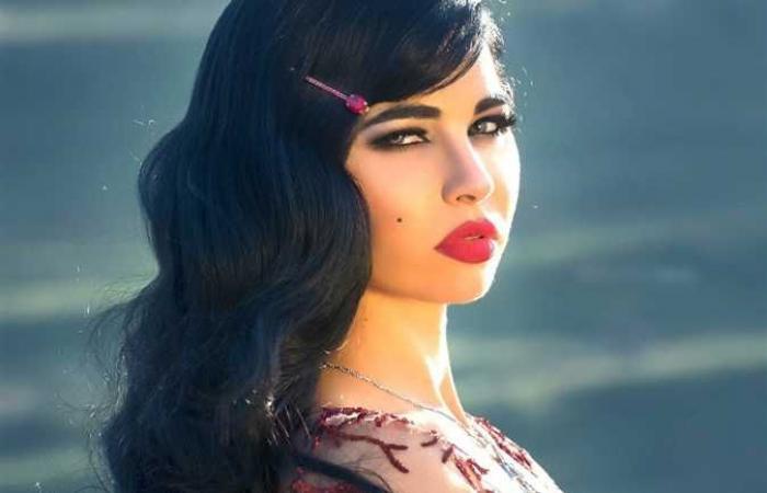 «تشتهر بصورها العارية».. من هي ياسمين نيار طليقة محمد السبكي؟