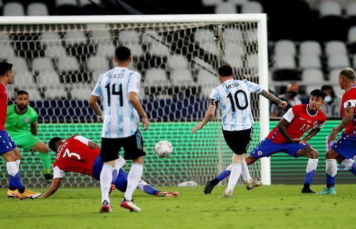 في مباراتهما الافتتاحية في كأس كوبا أمريكا.. تشيلي تتعادل مع الأرجنتين