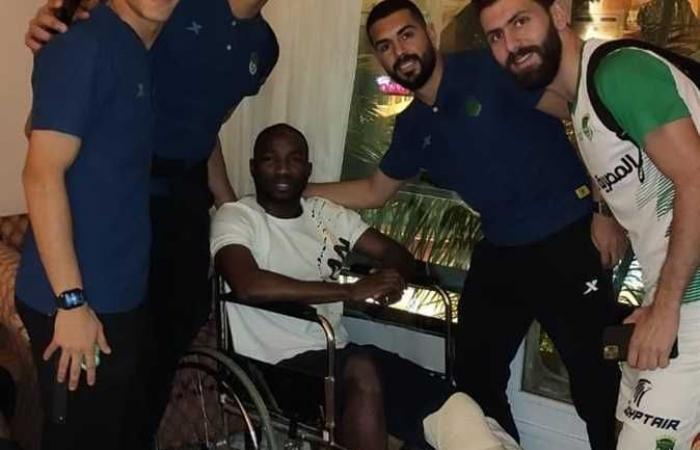لاعبو الاتحاد السكندري يدعمون رزاق سيسيه