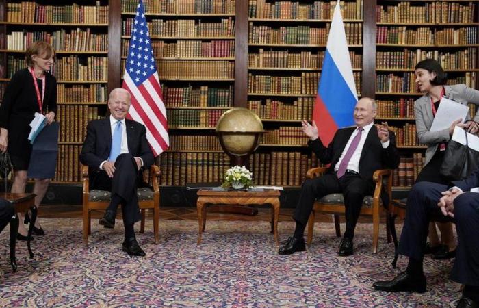"""""""بايدن"""": أبلغت """"بوتين"""" بأننا سنرد على أي عمل يؤثر على مصالحنا أو حلفائنا"""