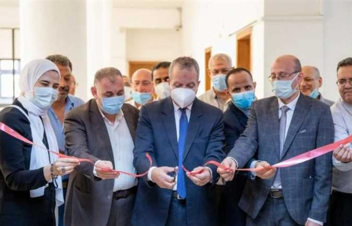 رئيس جامعة السويس يفتتح قاعة مجلس كلية التربية بعد تطويرها