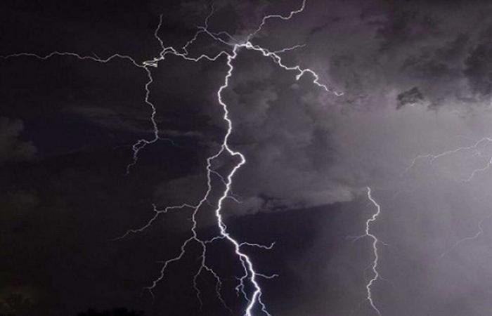"""""""الوطني للأرصاد"""": أمطار رعدية على الباحة تستمر حتى 8 مساءً"""