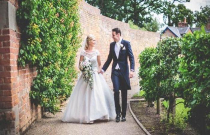 """للمرة الأولى منذ تفشي """"كورونا"""".. بريطانيا تسمح بإقامة الأعراس في الأماكن المفتوحة"""