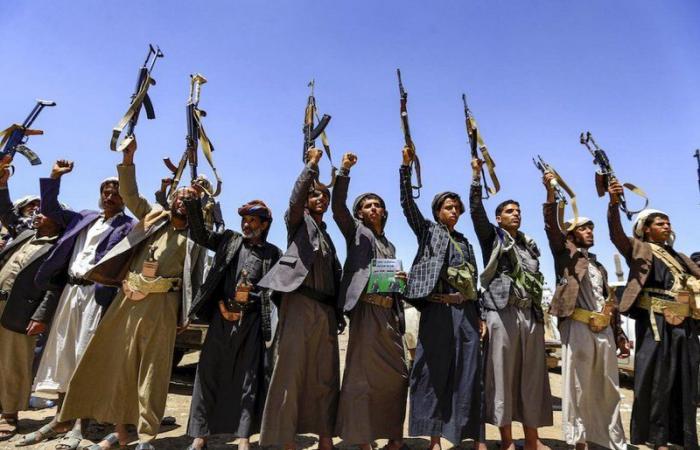فتش عن الحوثي.. 572 أسرة تتجرّع ويلات اختفاء أبنائهم.. 12 ألف طفل مجنّد!