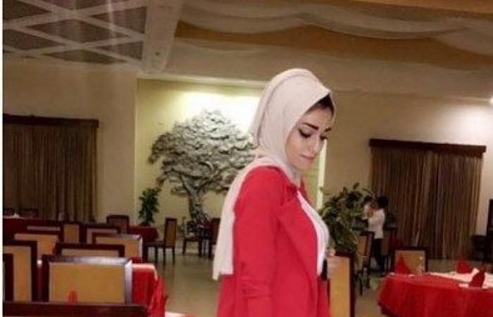 مصممة أزياء في غزة تطمح للعالمية عبر مواقع التواصل الاجتماعي