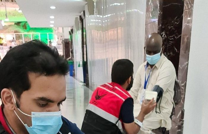 """مشاهد من خدمة """"غوث"""" لضيوف الرحمن بالحج.. و""""السديس"""": نموذج مشرف"""