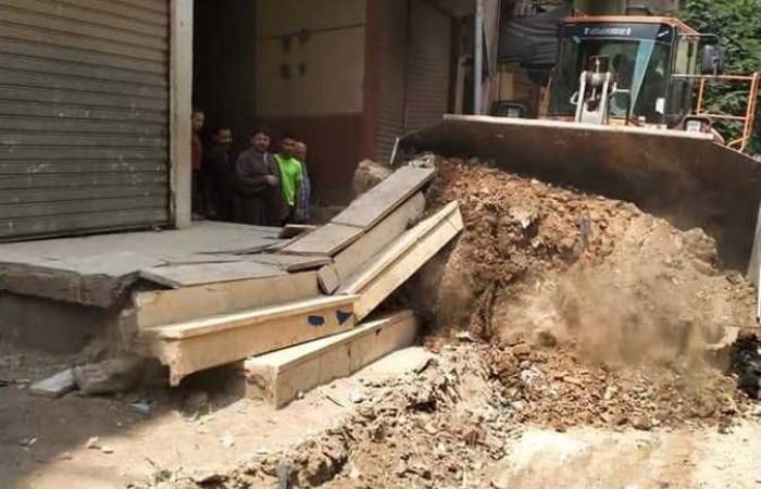 الجيزة: إزالة أكشاك مخالفة أسفل كوبري المنيب وتعديات بأحياء العمرانية وشمال والبدرشين