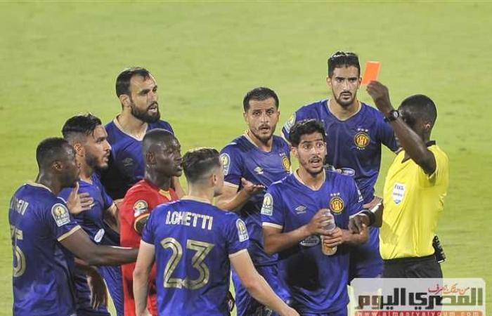 كاف يعرم الأهلي 8000 آلاف دولار بسبب مباراة الترجي في دوري أبطال أفريقيا