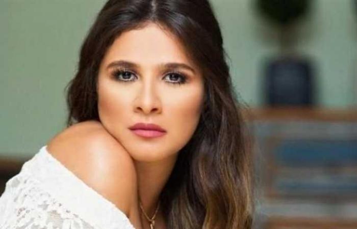 لميس الحديدي تكشف آخر تطورات الحالة الصحية لـ ياسمين عبد العزيز