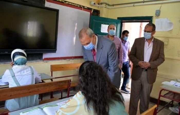 محافظ القليوبيه يتفقد لجان الثانوية العامة ببنها (صور)