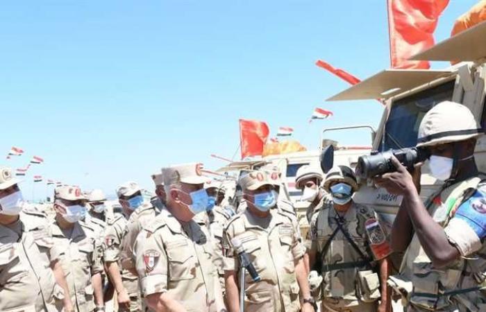 رئيس الأركان يشهد إجراءات تفتيش الحرب لإحدى وحدات المنطقة الجنوبية