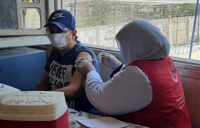 «الخطر قادم في سبتمبر».. أحمد موسى يحذر من بطء معدلات التطعيم ضد كورونا