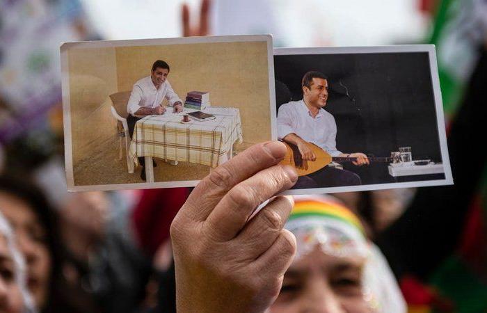 """أمر لـ""""أردوغان"""" زج أحدهما بالسجن.. تهديد أوروبي لتركيا بشأن معتقلين!"""