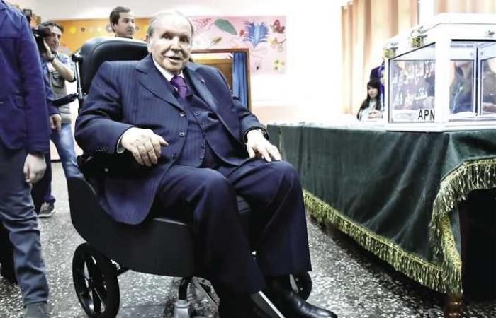 بوتفليقة : القعيد الذي حكم الجزائر علي كرسي متحرك طوال 6 سنوات يرحل في صمت (تقرير)