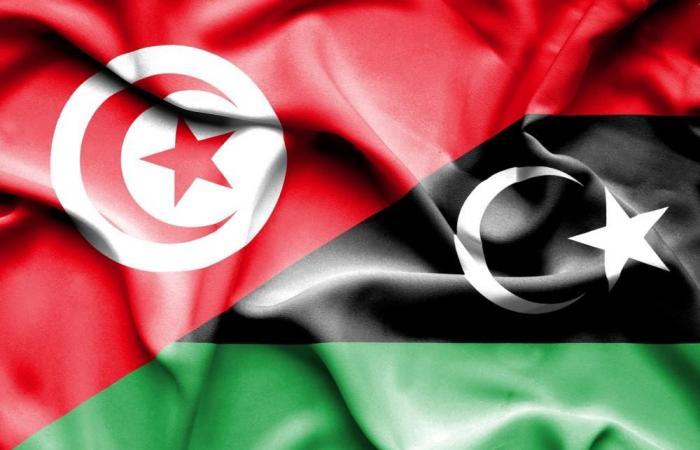 انطلاق الرحلات البرية بين ليبيا وتونس
