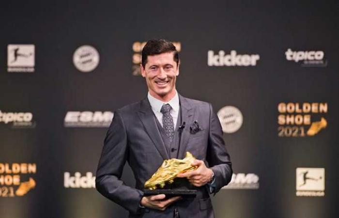 ليفاندوفسكي يتوج بـ الحذاء الذهبي كأفضل هدّاف في أوروبا