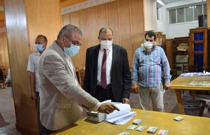 جامعة بني سويف: توقيع الكشف الطبي على الطلاب الجدد وحصولهم على لقاح كورونا