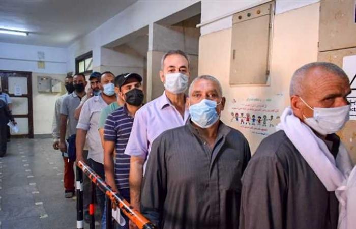 وكيل صحة الشرقية يتابع تطعيمات كورونا واستخراج الشهادات المعتمدة للمسافرين للخارج