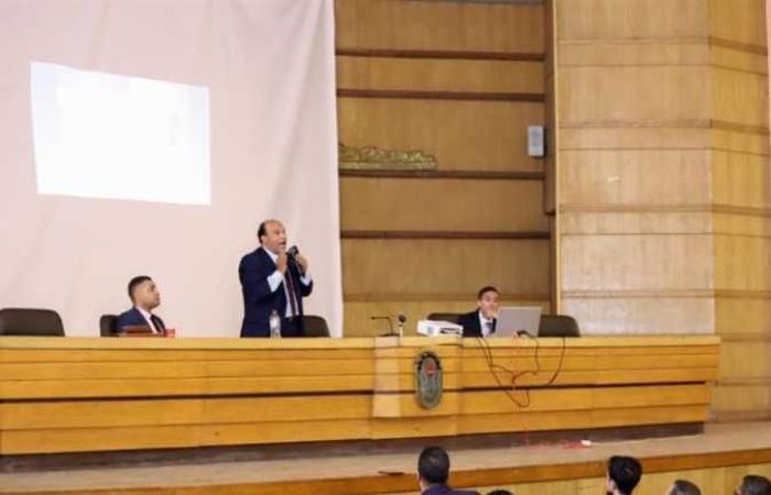 «المحامين»: «محاماة القاهرة» يعقد محاضرة «التنمية البشرية» لأعضاء 4 فرعيات