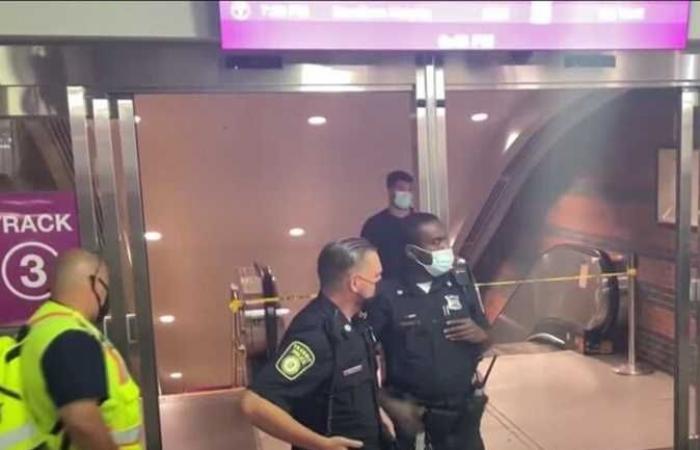 إصابة 9 أشخاص إثر عطل بسلّم متحرك في بوسطن الأمريكية