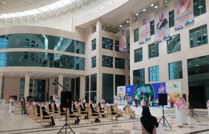 """جامعة شقراء تحتفل بذكرى اليوم الوطني.. """"حفل ومعرض وقصائد وعرضة"""""""