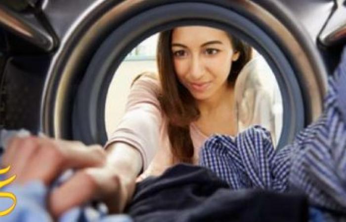 """5 طرق لتجنب رائحة الملابس """"المكمكمة"""" الرائحة الكريهة ، وتجعلي ملابسك لها رائحة منعشة"""