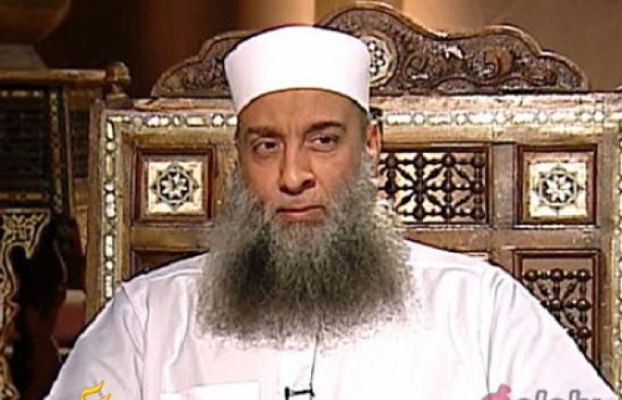 """""""الحويني"""" يفتي بحرمة قراءة وختم القرآن للمتوفى"""