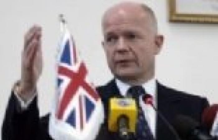 """""""وليام هيج"""": بريطانيا ترى أنه لا حل في سوريا مع بقاء الأسد على رأس السلطة"""