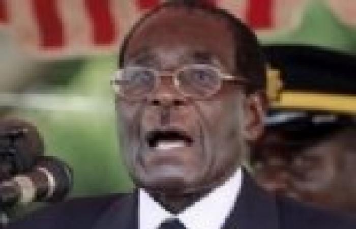 موجابي يصدق على دستور زيمبابوي الجديد