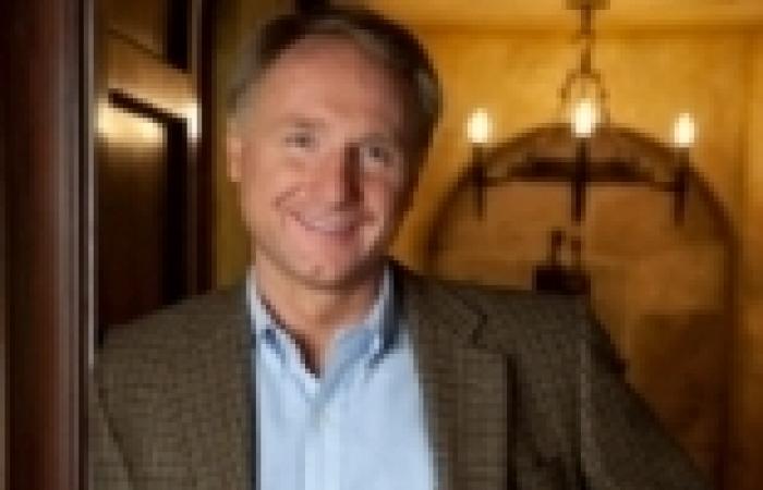 """رواية دان براون الجديدة """"الجحيم"""" تبيع ربع مليون نسخة في إنجلترا"""
