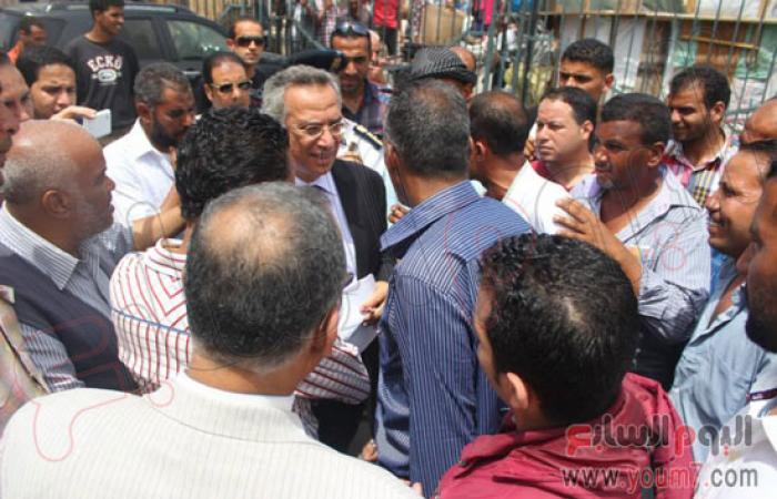 """بالصور.. """"البرنس"""": توفير أماكن جديدة للبائعين بمنطقة محطة مصر"""