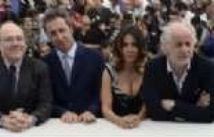 """سرقة قلادة من الألماس بقيمة 2 مليون يورو على هامش مهرجان """"كان"""" بفرنسا"""