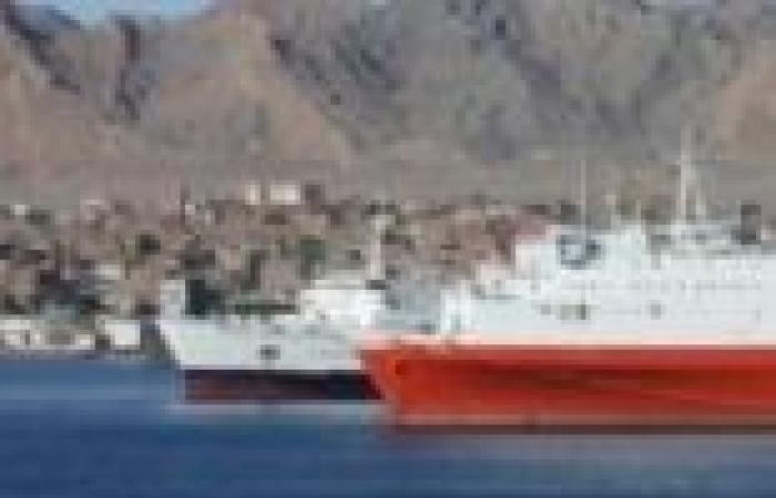 عاجل| أفراد شرطة الموانئ يغلقون ميناء سفاجا بعد اعتداء الشيالين عليهم