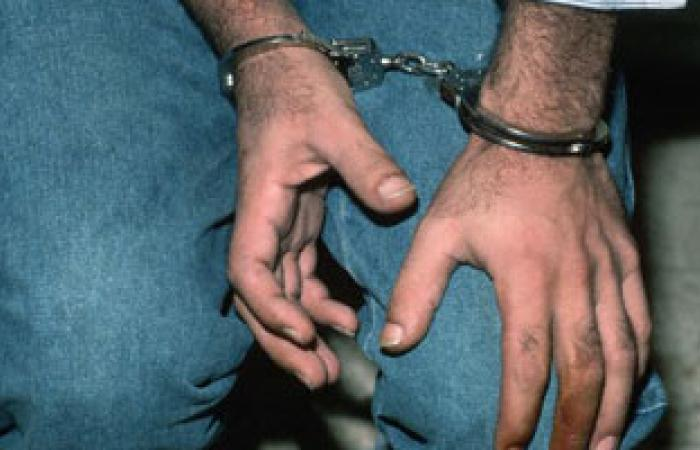 """كمين """"أبو حمص"""" يضبط عاطلين وبحوزتهما 500 قرص مخدر"""