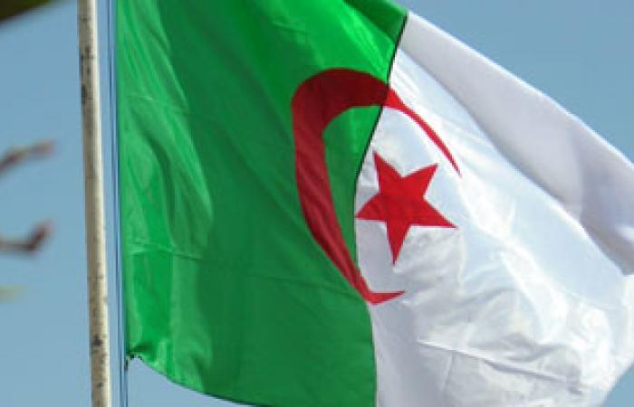 تعيين حسين آيت أحمد رئيسا شرفيا لحزب جبهة القوى الاشتركية الجزائرى