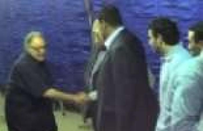 بالفيديو| الفخرانى والسعدنى وخالد يوسف فى عزاء شعبان حسين