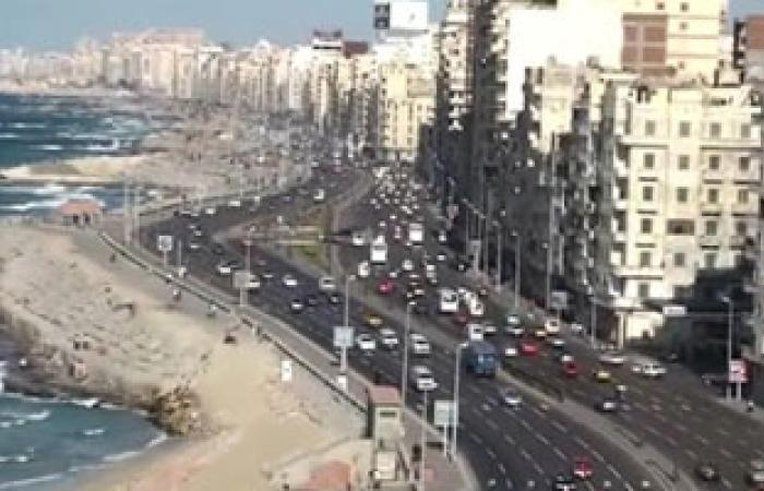 ازدحام كورنيش الإسكندرية يتسبب فى ارتفاع أجرة السيرفيس