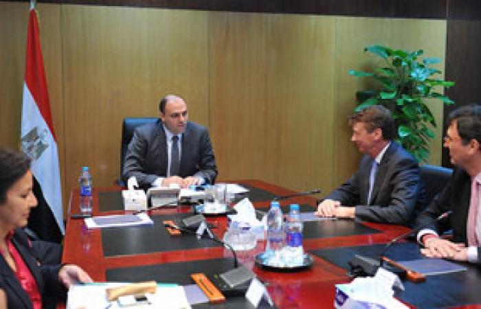"""""""الاستثمار"""" تبحث مضاعفة الاستثمارات البريطانية بمصر فى المرحلة المقبلة"""