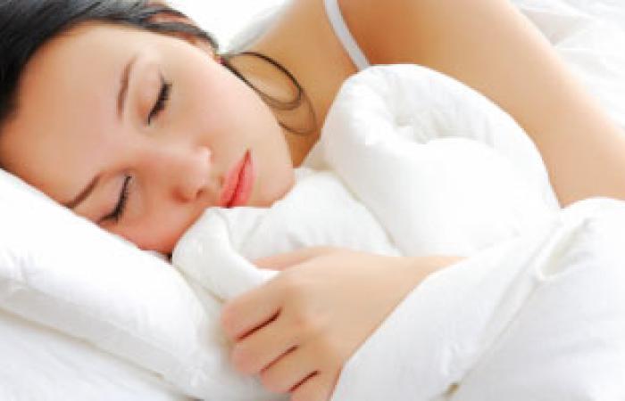 أسباب العرق الزائد أثناء النوم