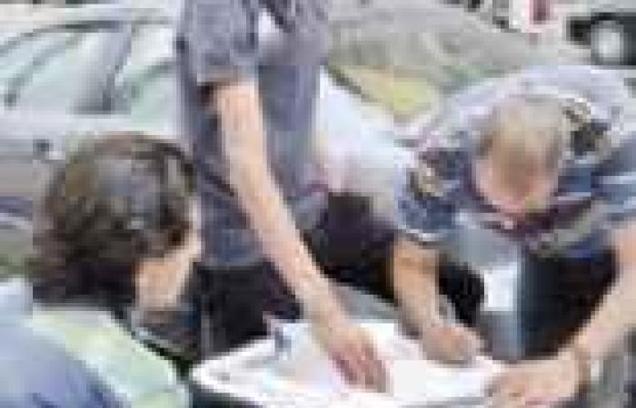 «تمرد» تتهم الإخوان بتشكيل كيانات وهمية لجمع التوقيعات.. و«الحرية والعدالة»: هلس