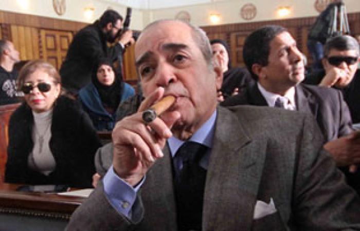"""""""فريد الديب"""" يطير إلى البحرين قبل 12 يوما من محاكمة """"مبارك"""""""